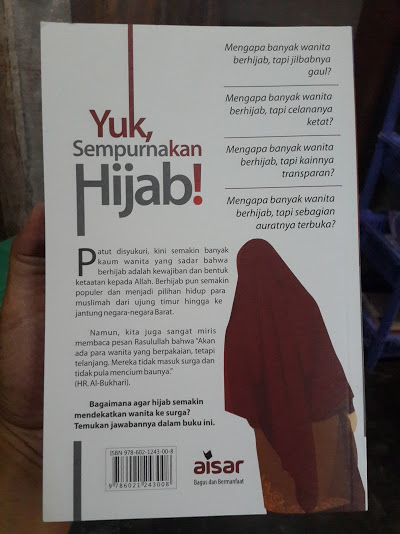 Buku Yuk Sempurnakan Hijab Cover Belakang