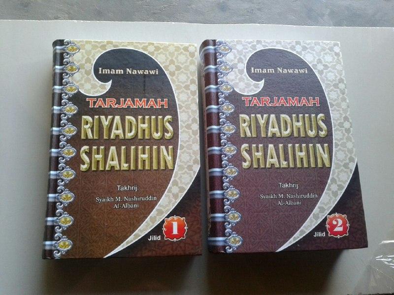 Buku Tarjamah Riyadhus Shalihin Set 2 Jilid cover