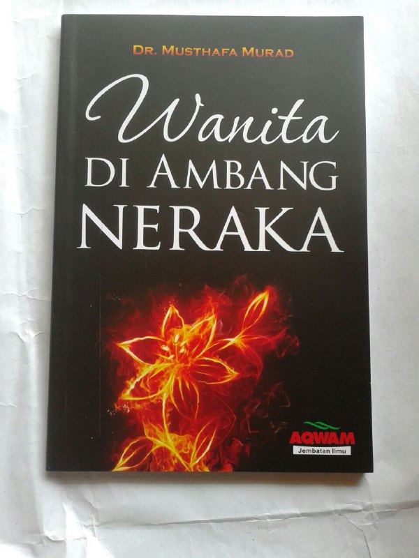 Buku Wanita Di Ambang Neraka cover