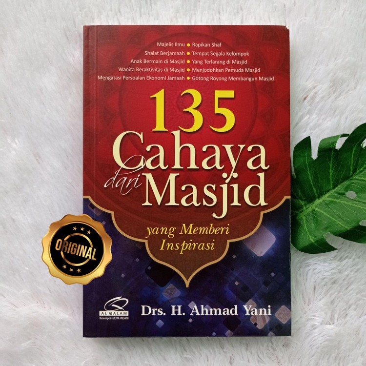 Buku 135 Cahaya Dari Masjid Yang Memberi Inspirasi