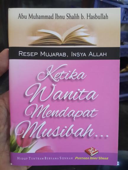 Buku Saku Ketika Wanita Mendapat Musibah Cover